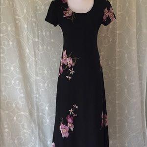 Beautiful Jessica Howard T-length dress.